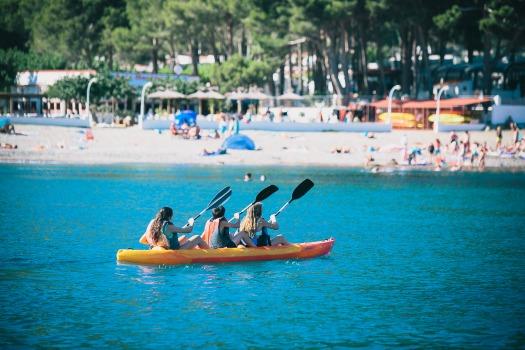 kayak-cala-montjoi-costa-brava