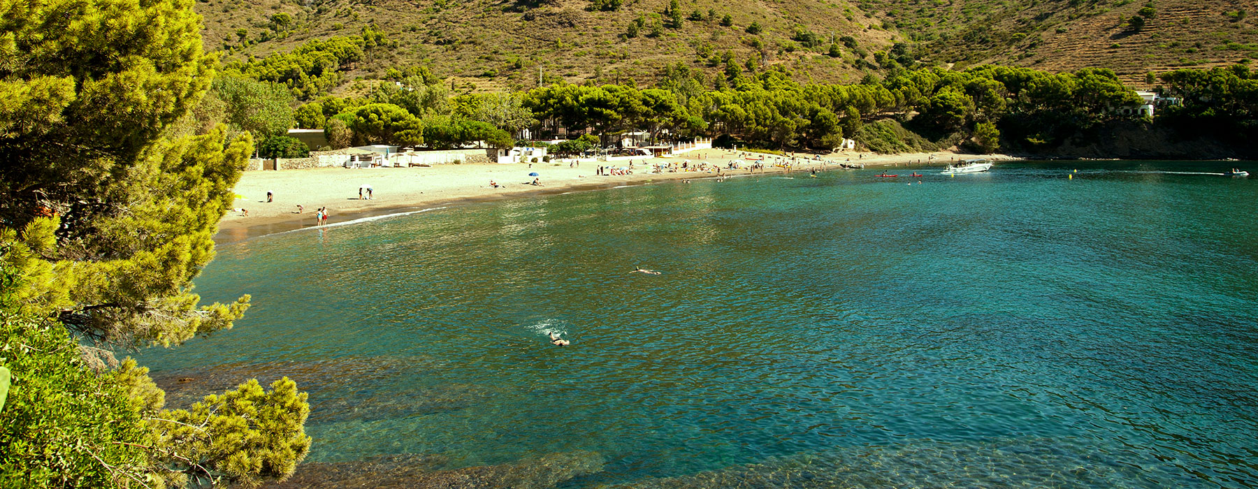 cala-montjoi-surroundings-beach-banner-home